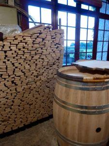 cooperage_wood_to_make_wine_barrels